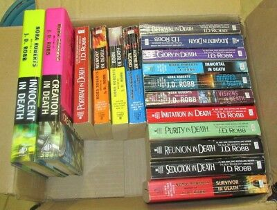 J.D. Robb - Box lot of 17 books