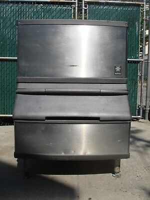 MANITOWOC ICE MACHINE Model QD0203w with Bin water Cooled 120v