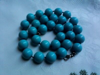 A Beautiful Vintage Large Turquoise Glass/stone Beaded Hand Knotted Necklace