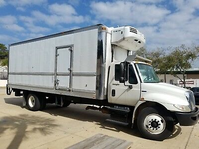 2010 International 4300 Refrigerated Box Truck with Liftgate