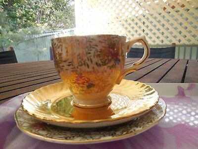 Very Old Mixed Trio, 'salisbury' Cup And Plate, With St Kilda Gold Saucer