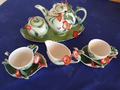 Two cup tea set