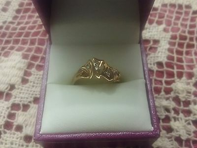 VINTAGE 9ct GOLD DIAMOND RING ~ STAMPED 375 ~ SIZE 8