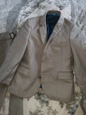 boys grey suit aged 4 years