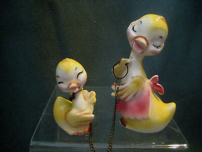 Norcrest DUCKS figurines vtg 50s Japan Mother Baby connected chains ceramic flaw