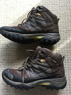 The North Face:  Men's Waterproof Hiking Boots Size US10