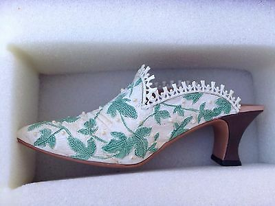just the right shoe Touch Of Lace