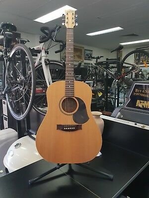 Maton M225 Natural Series Guitar With Hard Case