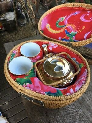 Chinese Tea Pot Set With Carry Case