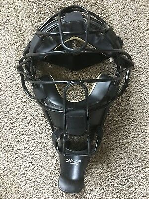 Honig's Umpire Mask with Throat Protector