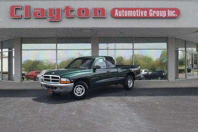 Dodge Dakota Club Cab  2000 Dodge Dakota Club Cab 3.9L V6 Automatic RWD New Tires Only 33k Miles!
