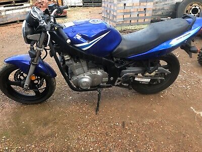 suzuki gs500 damaged repairable write off wovr needs some work parts