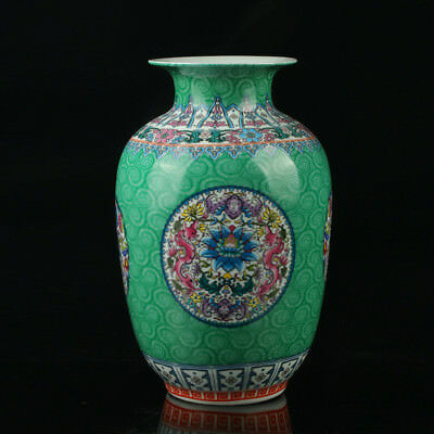 Chinese Porcelain Hand-Painted Flower Vase Mark As The Qianlong Period R1016+a