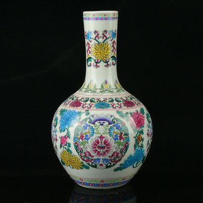 China Colorful Porcelain Hand-Painted Flowers Vase As The Qianlong Period R1046