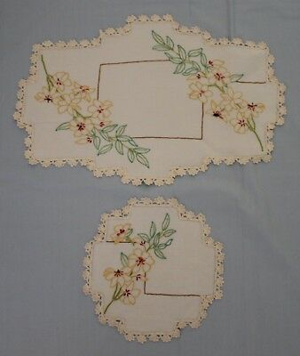 Vintage Hand Embroidered Linen Floral 2 Piece Doily Set