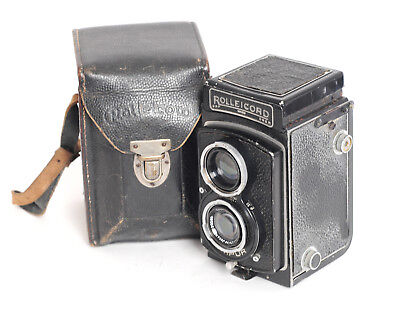 Rolleicord Model 4 with Carl Zeiss Triotar 75mm f3.5 lens (4516G)
