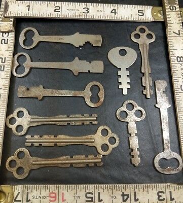 Lot Of Flat Steel Skeleton Keys Vintage Antique Yale Eagle Lock Co. +