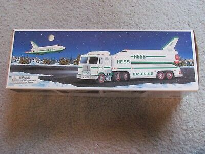 Hess Nib New Mint 1999 Toy Truck And Space Shuttle With Satellite