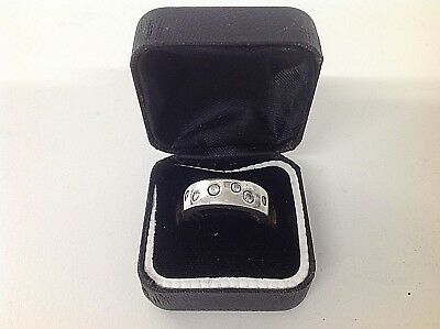 Sterling .925 Silver ring with 6 clear stones - Ring Size J