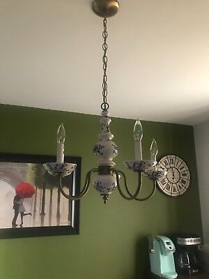 Gorgeous vintage 5 arm white and blue floral delft hanging dimmable chandelier