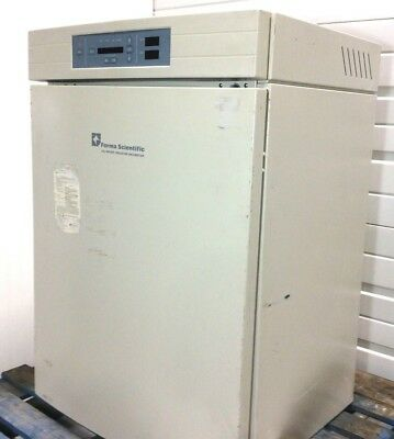 TESTED! VWR Thermo Forma Scientific 3110 Water Jacketed CO2 Heated Incubator