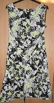 BNWT Sarah Hamilton Black Green & White Floral Print Semi Fitted Dress Size 10