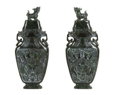 China 20. Jh. Große - A Large Pair Of Chinese Spinach Hardstone / Jade Vases