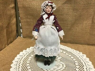 Vintage Avon Collectible Porcelain Early American Doll 1987