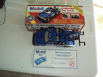 Mobil 1995 Limited Collectors Edition Tow Truck 1:24 Scale (Third In A Series)