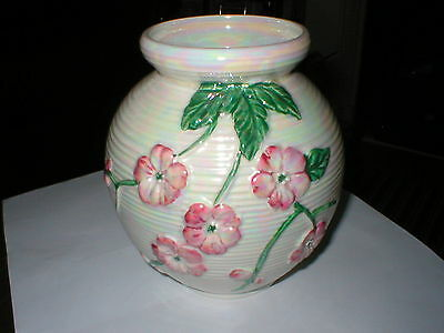 Stylish Mailing Lustre Multii Coloured Vase With Floral Desidn