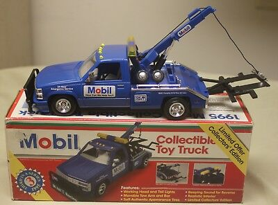 Mobil Collectible Toy Truck Battery Operated Blue Tow Truck 1:24 (NIB)