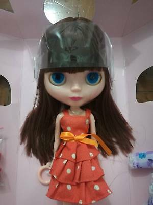 Basaak doll :  Brown hair with fringe / bangs