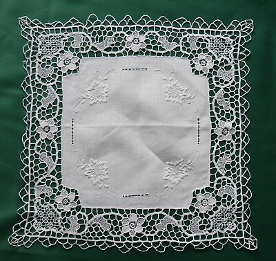 Grant Linen Hand made Embroidered Tatting Lace Tablecloth Topper Runner Placemat