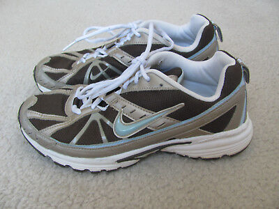 pretty nice 0a451 f758f Nike Dart 6 Women s Brown, Silver, and Blue Running Shoes Size 8
