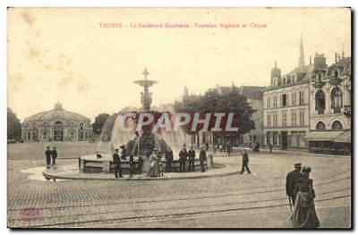 Troyes CPA Boulevard Gambetta Fontaine Argence et cirque