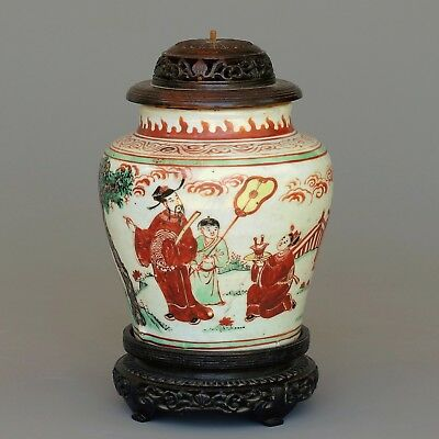 A very fine chinese enameled figural jar  - Transitional period - 17 th C
