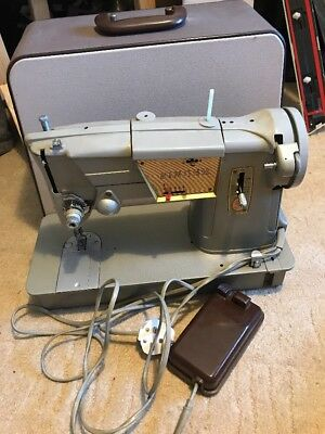 Singer Electric Sewing Machine With Case
