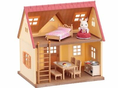 Brand New Cosy Cottage Starter Home SYLVANIAN FAMILIES - In mint condition