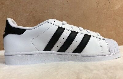 outlet store 86423 5a34f NWOB ADIDAS MENS C77124 Classic Superstar Originals White Black Gold Size  6.5