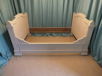 Beautiful French antique side bed