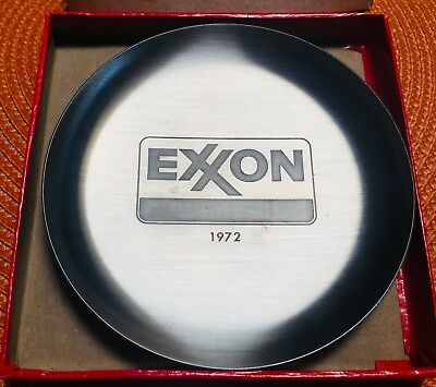Vintage Exxon oil metal change tray. Dated 1972 with box Make offer!