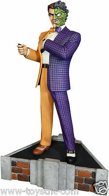 Batman: Classic Two-Face 14 inch Maquette Tweeterhead Sideshow Collectibles