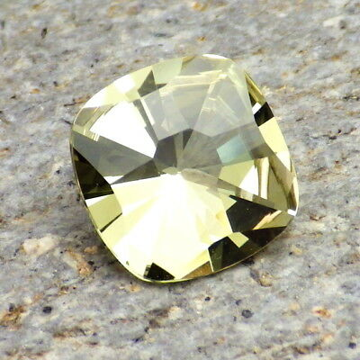 APATITE-MEXICO 2.98Ct FLAWLESS-NATURAL LIVELY YELLOW GREEN-FOR HIGH-END JEWELRY!