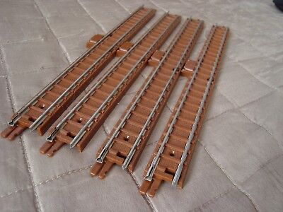 Triang Tri-ang TT gauge 4 x T55 Full straight with power connector, Type A VGC