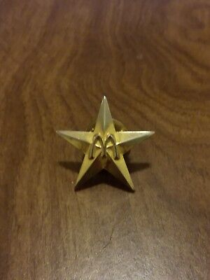 mcdonalds crew lapel pin Gold Star 20-30 yrs old, Vintage Antique
