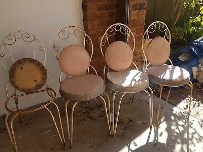 Vintage French Style Wrought Iron set of 4 Chairs Round darling style