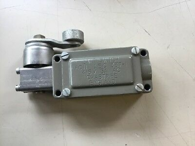 LIMIT SWITCH, ROLLER LEVER, Crabtree AC11 IEC 337-1