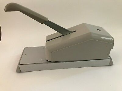 Addressograph 871 Vintage Manual Pump Plunger Credit Card Imprinter