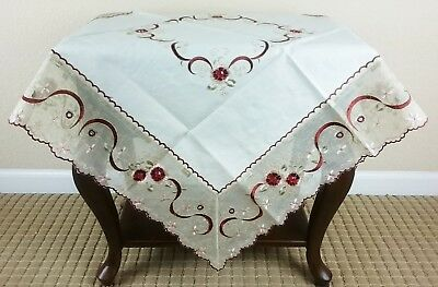 Grant Linen Color Embroidery Beads Table Topper