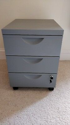 3 Draw Lockable Office Cabinet in Grey (collect from HX3 9UE)